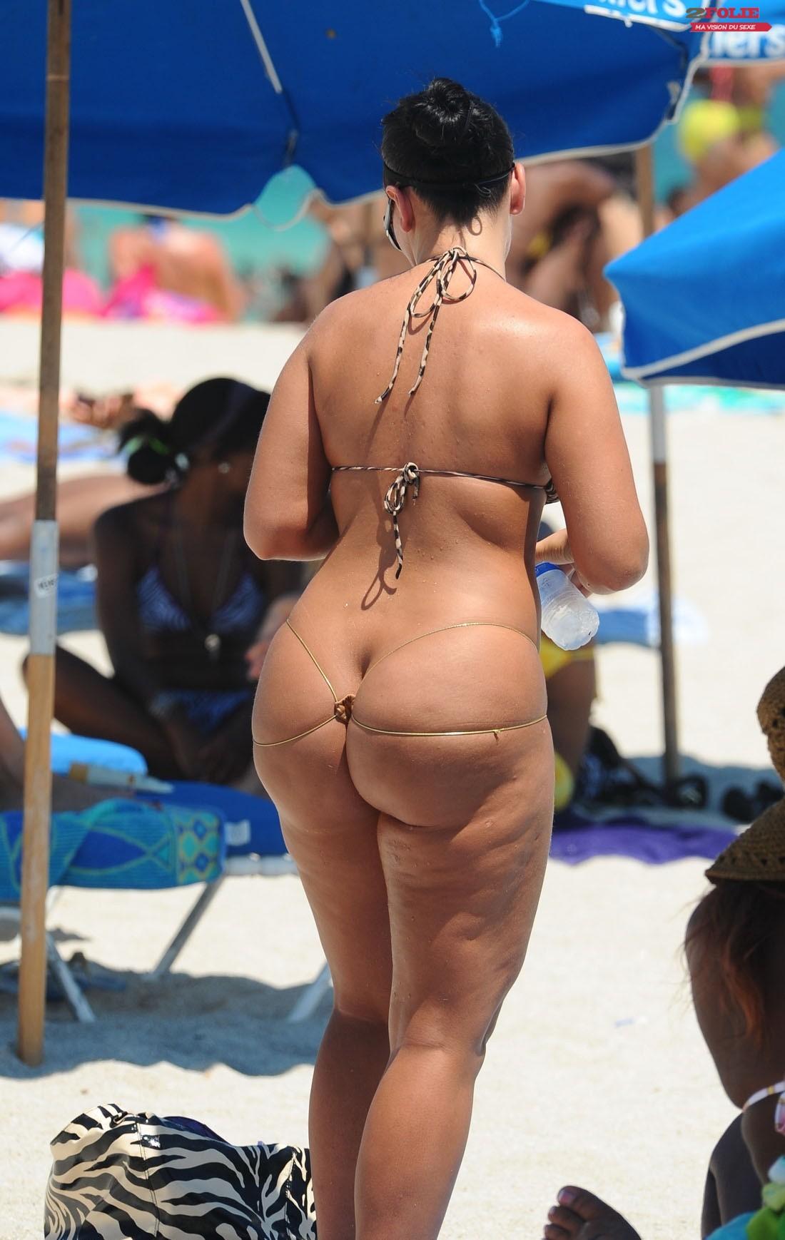 Мега жирные жопы в бикини микро фото