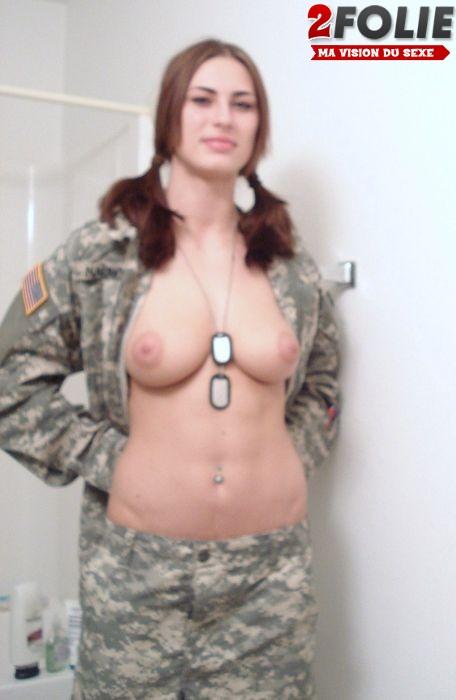 femmes-soldats-sexy-0127-001