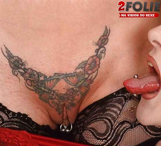 photos de filles nues tatouées_05