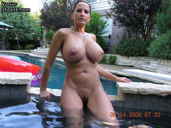 Femme Nue Piscine photos de femmes seins nus à la piscine sur | cdulib.ru