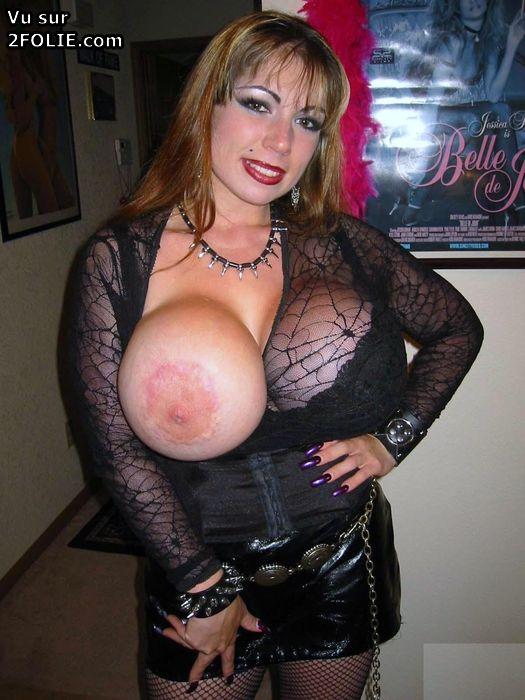 Photos de seins énormes irréalistes