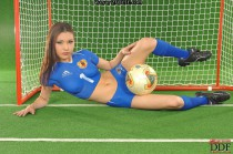 Footballeuse Japonaise nue body painting 201406-10_05