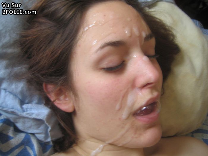 Multiple cocks squirting on one pussy