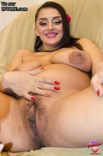 beurette enceinte nue 201408-22_10