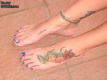 nanas aux pieds attirants 201409-21_08