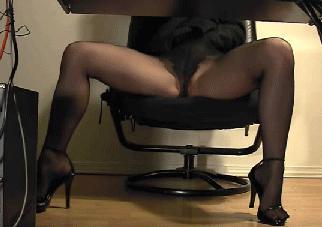 Chaude femme en collants en action - Plein de Filles