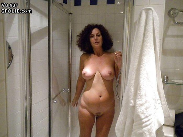 Des femmes nues sous la douche - Tube SEX en HD - TuKif