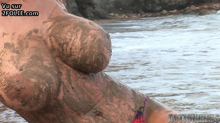 Combat dans la boue entre femmes - Blog sexe : Star nue