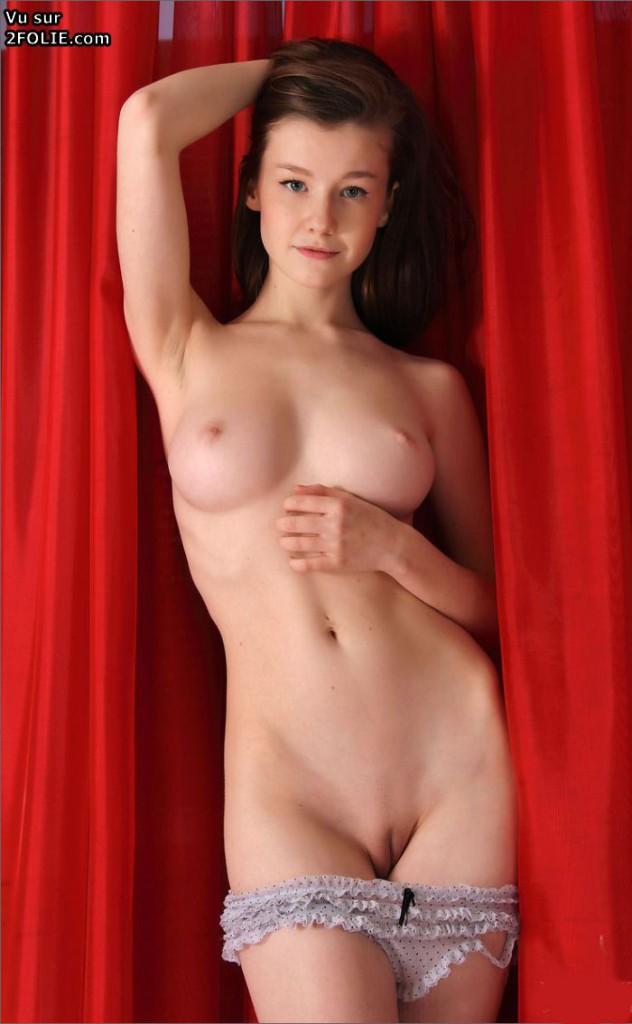 Kelly jeune star du porno
