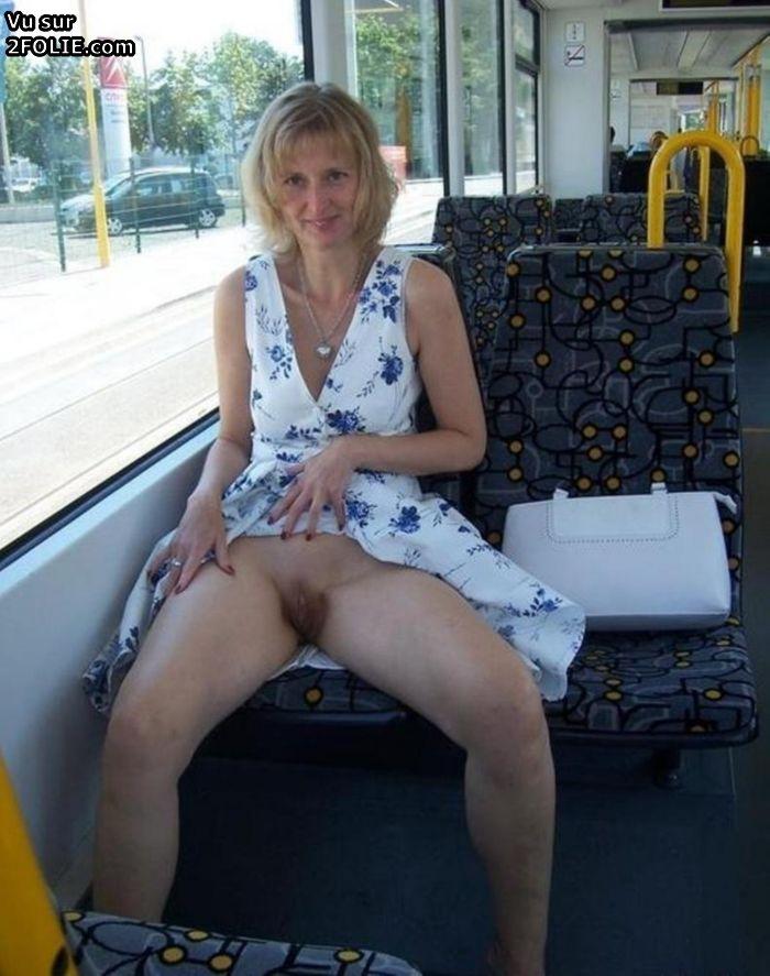 t es une pute femme nue sous sa jupe