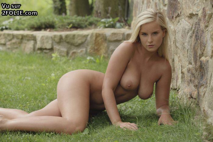 Une blonde trs chaude encule en pov - tukifcom