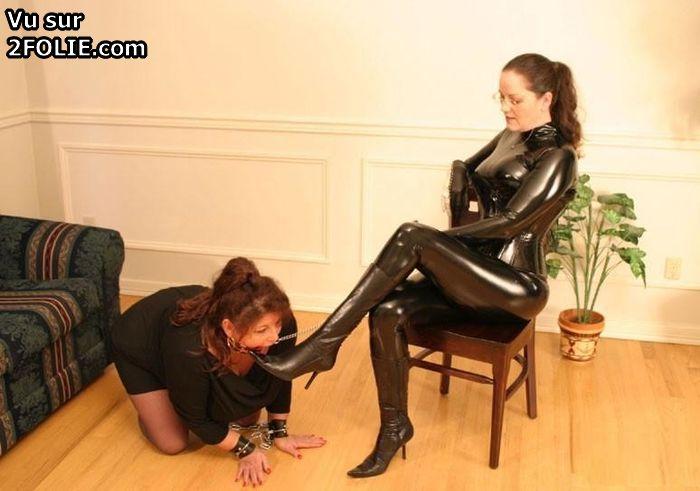 Lesbian Boot Licking 43