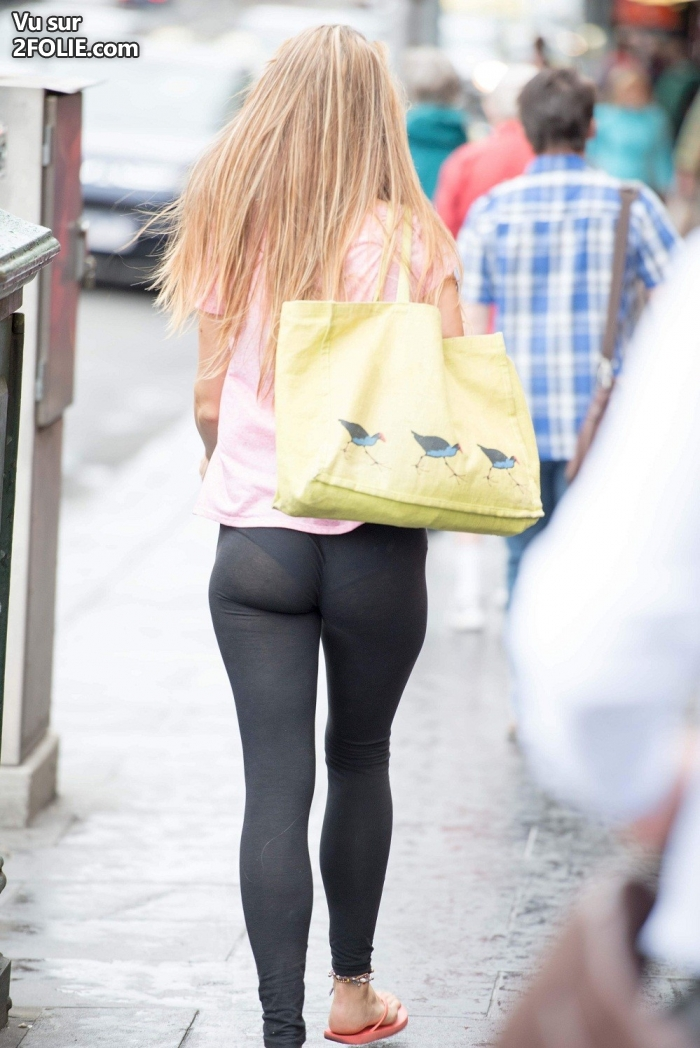 Gros seins jeans serrés