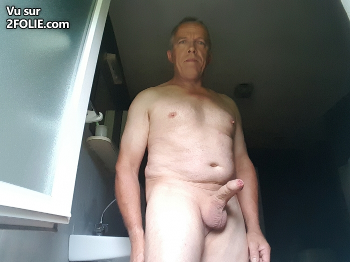 je montre ma bite black massage gay angers