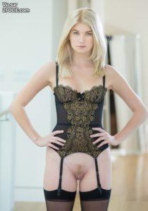 femme-sexy-en-lingerie-hot-2016825-6.jpg