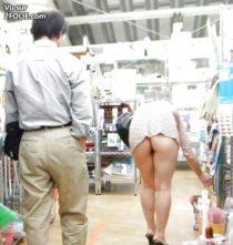 upskirt-shopping-201686-5.jpg