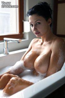 Voila-comment-les-salopes-prennent-leur-bain-20161019-10.jpg