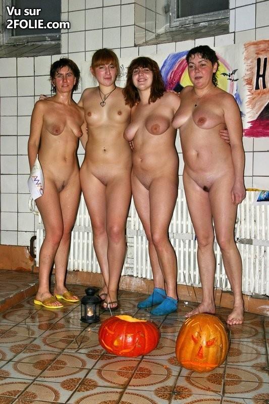 Groupes de filles chaudes et nues sur 2Folie