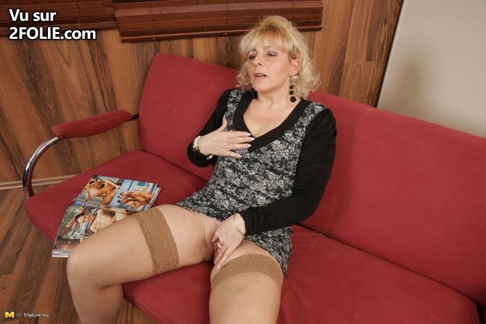 Une blonde en rouge auf mamies vieilles - gratuit matures