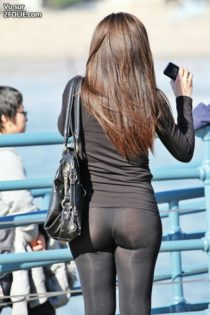 2-nanas-en-leggings-transparents-20161217-5.jpg