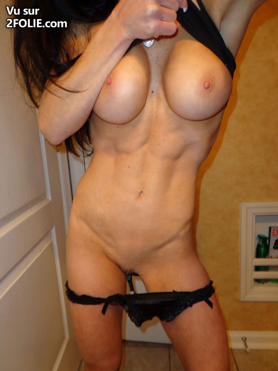 salope avec gros seins femme muscle sexy
