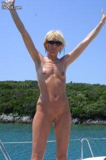 cette-femme-mature-à-la-plage--2017214-5[1]