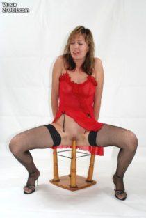 masturbation-avec-un-pied-table--201736-11.jpg