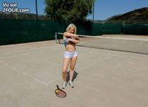 blonde-sportive-tennis-short-masturbation--2017418-12.jpg