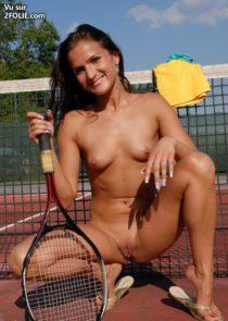 sportive-sexy-brune--2017423-17.jpg