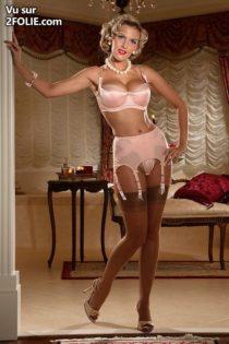 mature-en-lingerie-201757-2.jpg