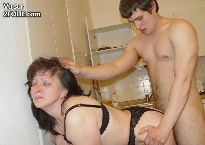 maman se tape un jeune deflorage